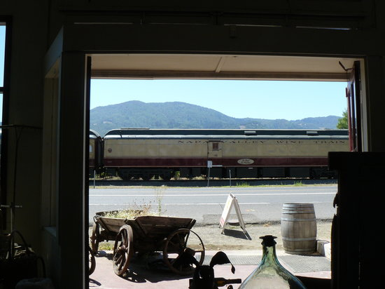 St. Helena Olive Oil Company : Looking out from the store