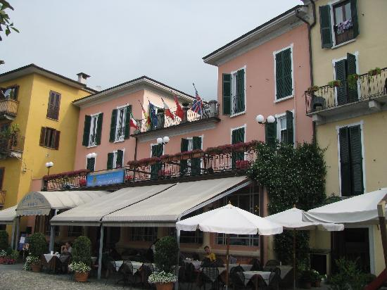 Hotel Pesce d'Oro: Front of Hotel