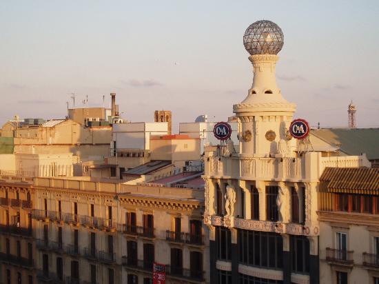โรงแรมพุลลิทเซอร์: View of C&A