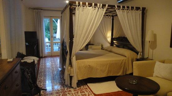 Hotel Bristol: Inside the room