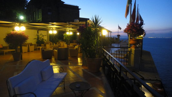 Hotel Bristol: The hotels rooftop patio lounge available to all guests
