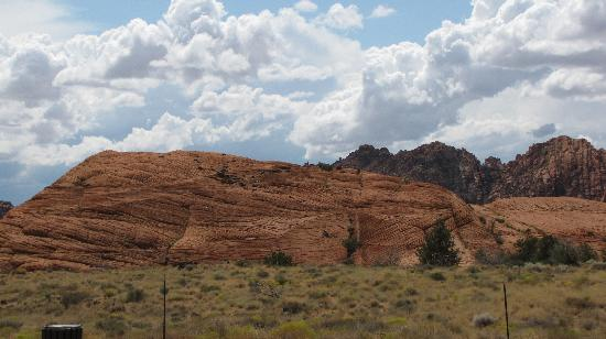 Snow Canyon State Park: from dunes from afar