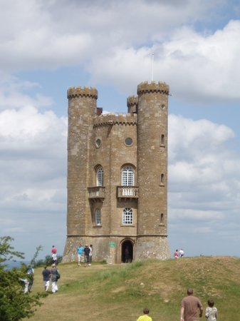 British Tours - Day Tours from London: Broadway Tower in the Cotswolds