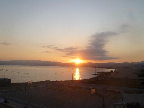 Nautilus Bay Hotel: alba dal mio balcone nel hotel