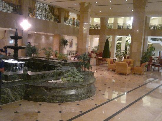 Maritim Jolie Ville Golf & Resort: Part of the hotel lobby area