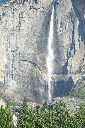 Yosemite Valley: Yosemite Falls