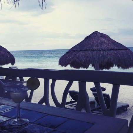 Villa Las Estrellas Restaurant: Margaritas with a view