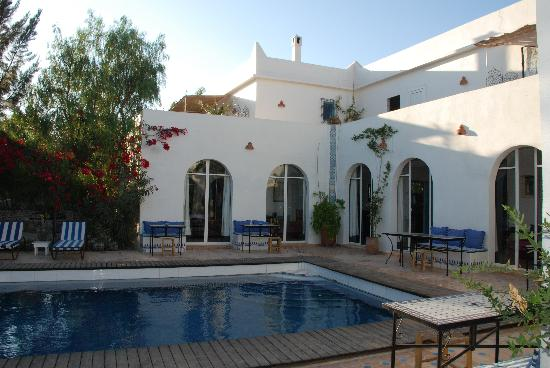 Villa Daba: Vue de la villa avec piscine