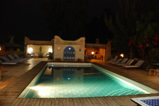 Villa Daba: Le charme de la soirée