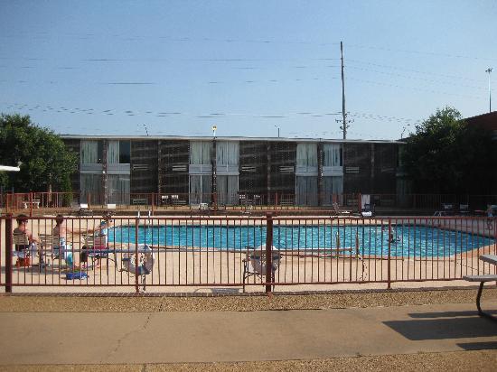 Ramada Oklahoma City Near Bricktown Hotel Convention Center Swimming Pool