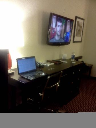 Comfort Suites Leesville: Big TV