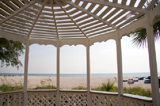 TradeWinds Island Grand Resort: Gazebo on the beach