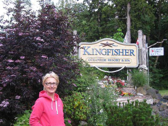 Kingfisher Oceanside Resort and Spa: Beautiful gardens.