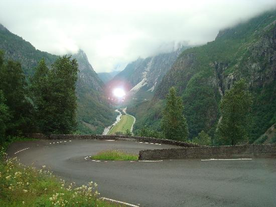 Fjord Tours: Switchbacks leading to the fiords at Gudvangen