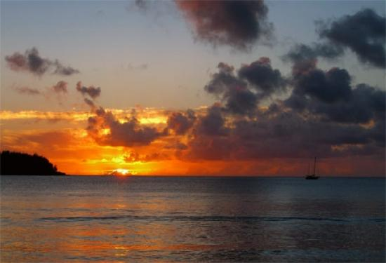 Kaleialoha Condominiums: Did I mention the Sunsets?