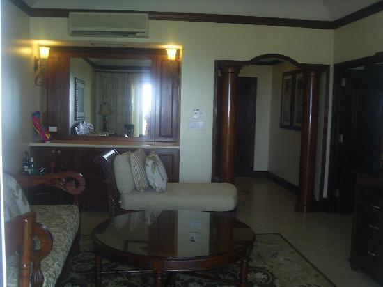 Sandals Grande Antigua Resort & Spa: Living room