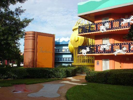 Disney's All-Star Movies Resort: Otra vista del hotel