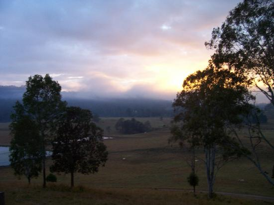 Yabbaloumba Retreat: early morning veiw