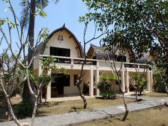 Hotel Vila Ombak: our room