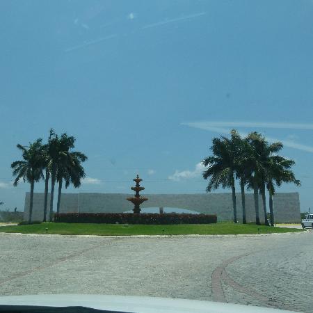 Grand Bahia Principe Coba: PORTICO