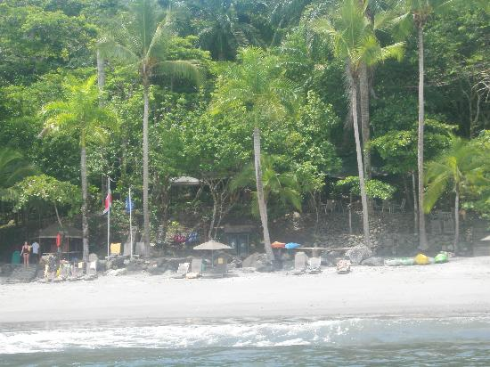 Tulemar Bungalows & Villas: Beach from the water