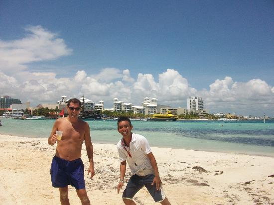 Oasis Palm: Beach