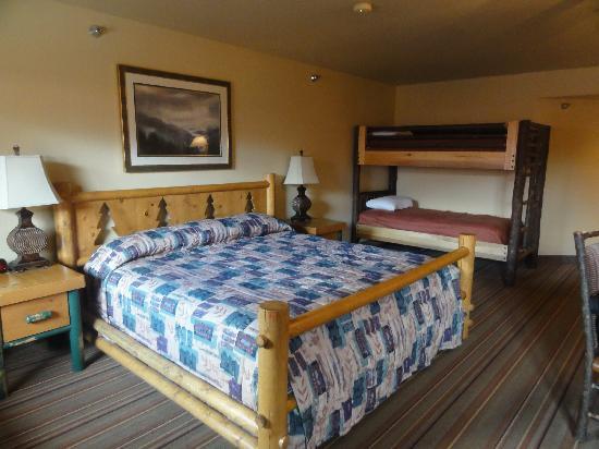 Denali Princess Wilderness Lodge: Bed in bldg 2A,266