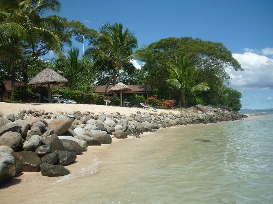 เฟิร์สแลนดิ้งบีชรีสอร์ทแอนด์วิลลาส: The beach at the resort