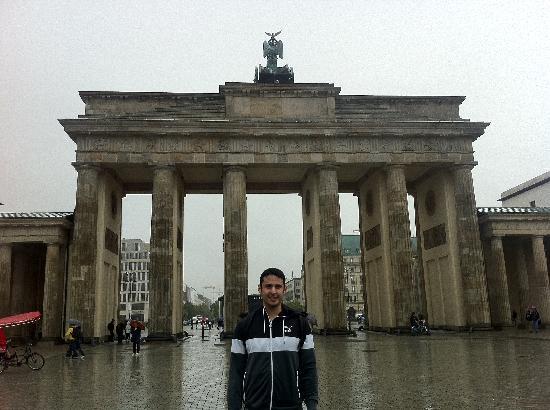 The Berlin Expert: BRANDENBURG GATE