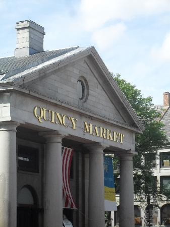 Freedom Trail: Quincy-Market
