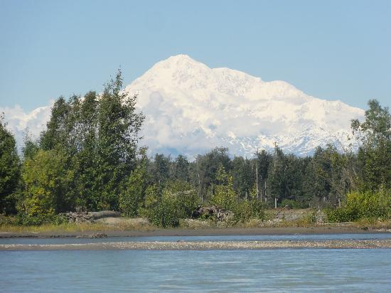Mt. McKinley Princess Wilderness Lodge: from downtown Talkeetna