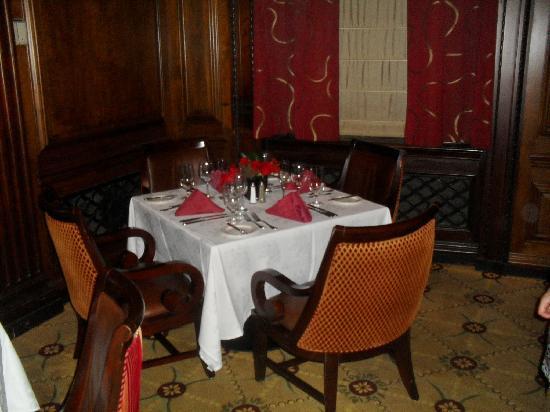 ออมนิพาร์คเกอร์เฮ้าส์: Table No 40