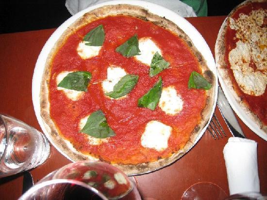 Otto Enoteca & Pizzeria: Bufala Mozzarella