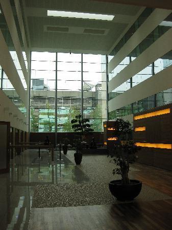 โรงแรมโซฟิเทล ลอนดอน ฮีทโทลว์: Internal Zen garden