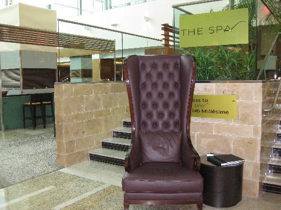 โรงแรมโซฟิเทล ลอนดอน ฮีทโทลว์: Spa/Gym entrance