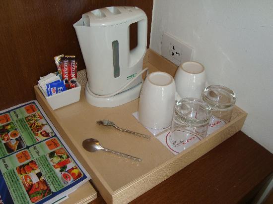ซาช่าส์ โฮเต็ล อูโน่: Tea & coffee facilities