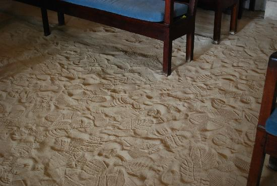 Beracha Veshalom Vegimulth Hasidim Synagogue: The sandy floor is a sephardic tradition dating back to the times of the Spanish Inquisition.