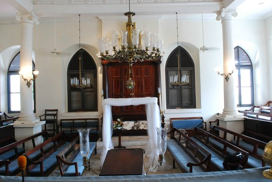 Beracha Veshalom Vegimulth Hasidim Synagogue: Sanctuary is laid out in the European tradition where the beema is opposite and facing the ark.