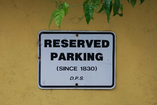 Beracha Veshalom Vegimulth Hasidim Synagogue: Rabbi's Parking space since 1830