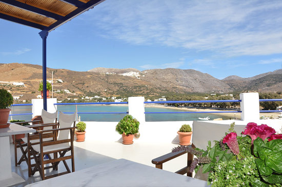 Apollon studios: View from the veranda towards the beach