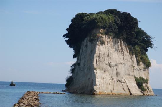 Mitsukejima Island: 顔に見えませんか?