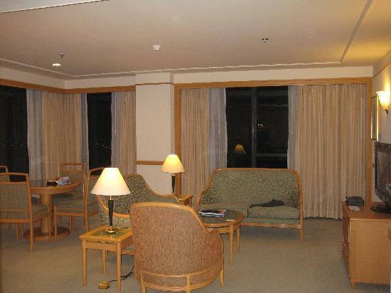 โรงแรมเรอเนสซองริเวอร์ไซด์ไซง่อน: our suite