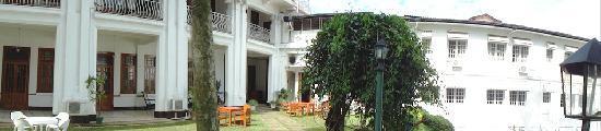 โรงแรม ซุยส์ซี่: Garden area