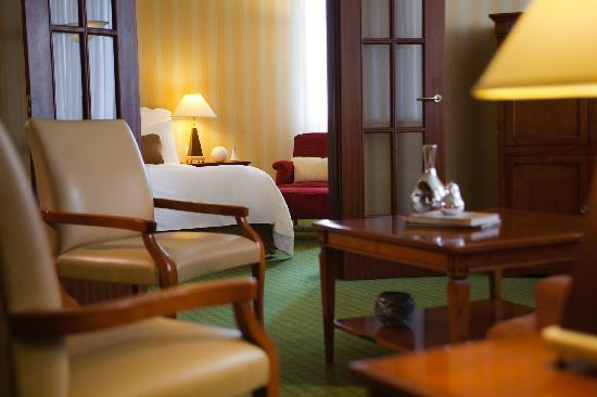 เรเนซองซ์ ซามารา: Enjoy plenty of space in our hotel's Business Suite
