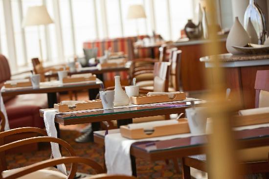 เรเนซองซ์ ซามารา: Restaurant Sunlight