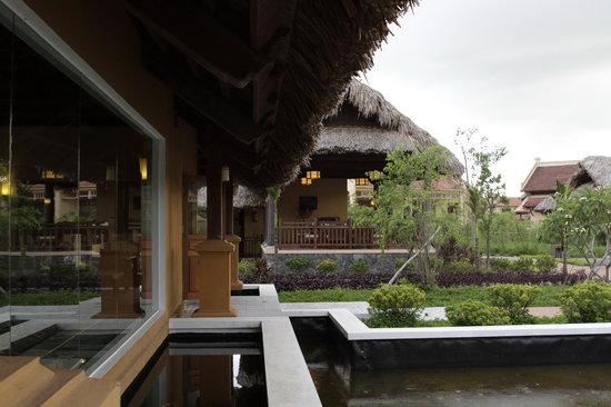 เอเมอรัลดา รีสอร์ท แอนด์ สปา นินบินห์: Spa and organic garden