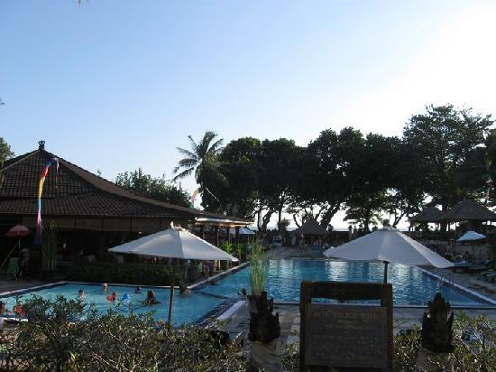 The Jayakarta Bali Beach Resort : Jayakarta kids pool