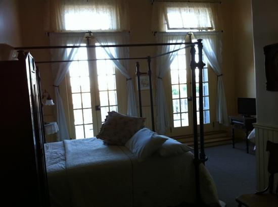 Tahoe House Hotel: peaceful room