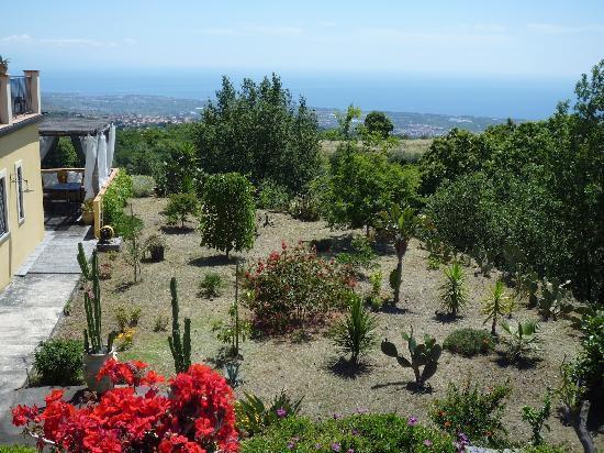 """Casa Gallida: Jardin de """"Riposto"""""""