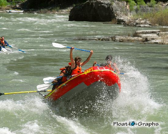 Snake River Park KOA and Cabin Village: Raft trips leave right from the Park-get 10% off